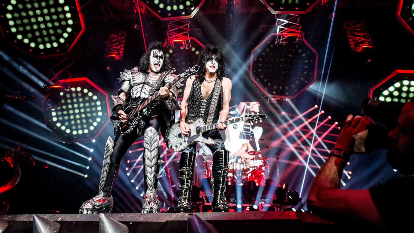 KISS UNITES WITH OPENING ACT, ARTIST DAVID GARIBALDI, TO RAISE FUNDS FOR CREW NATION THROUGH SWEEPSTAKES DURING THE END OF THE ROAD TOUR