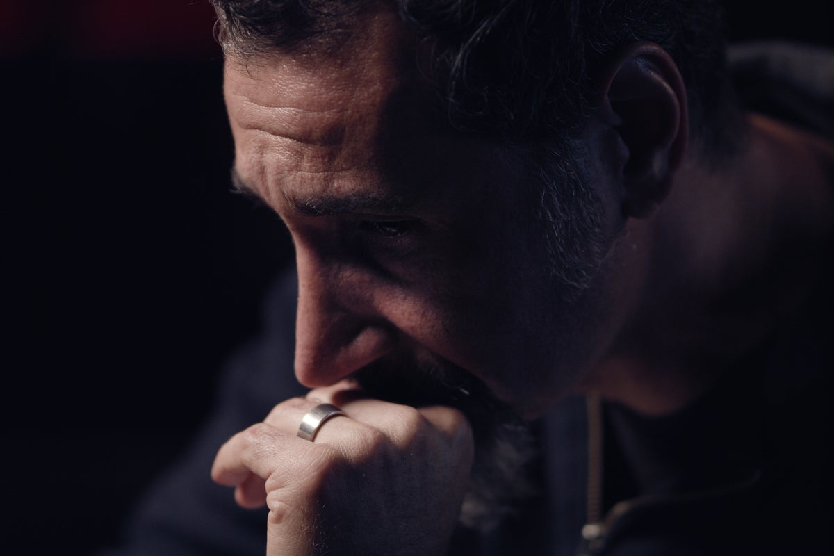 """SYSTEM OF A DOWN'S SERJ TANKIAN FEATURED IN """"TRUTH TO POWER"""" DOCUMENTARY"""